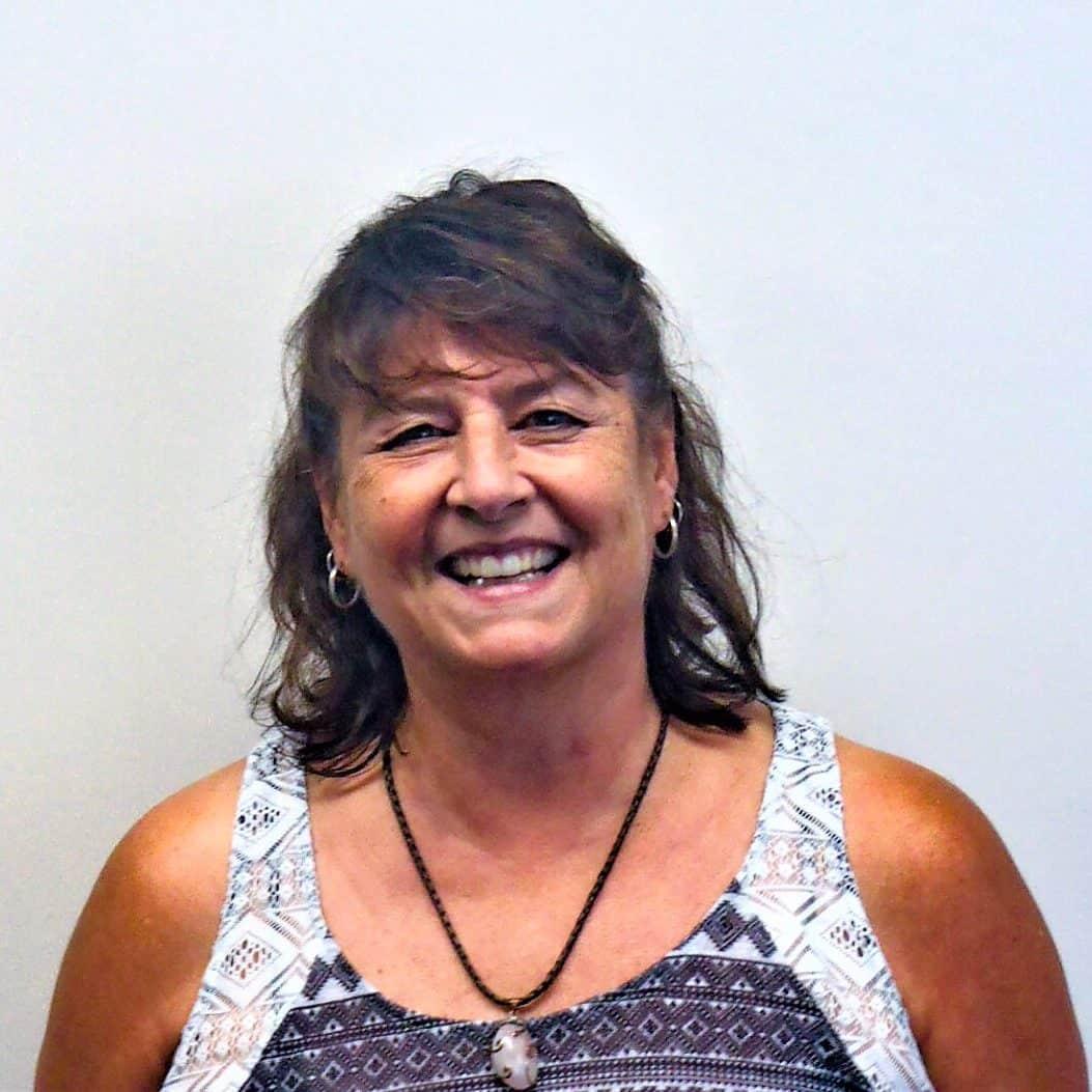 Vivian Benedetti : Accountant/Controller